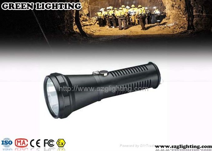 Rechargeable Explosion Proof Torch 400 Meters Lighting Range 5W LED Light Source